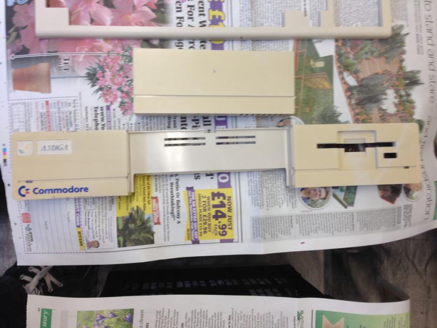 Klikněte na obrázek pro zobrazení větší verze  Název: A1000-respray-front-panel-before.jpg Zobrazeno: 71 Velikost: 66,8 KB ID: 8370